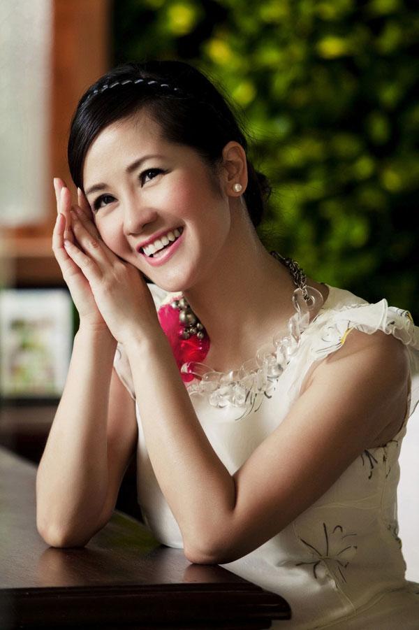 Ca sĩ Hồng Nhung