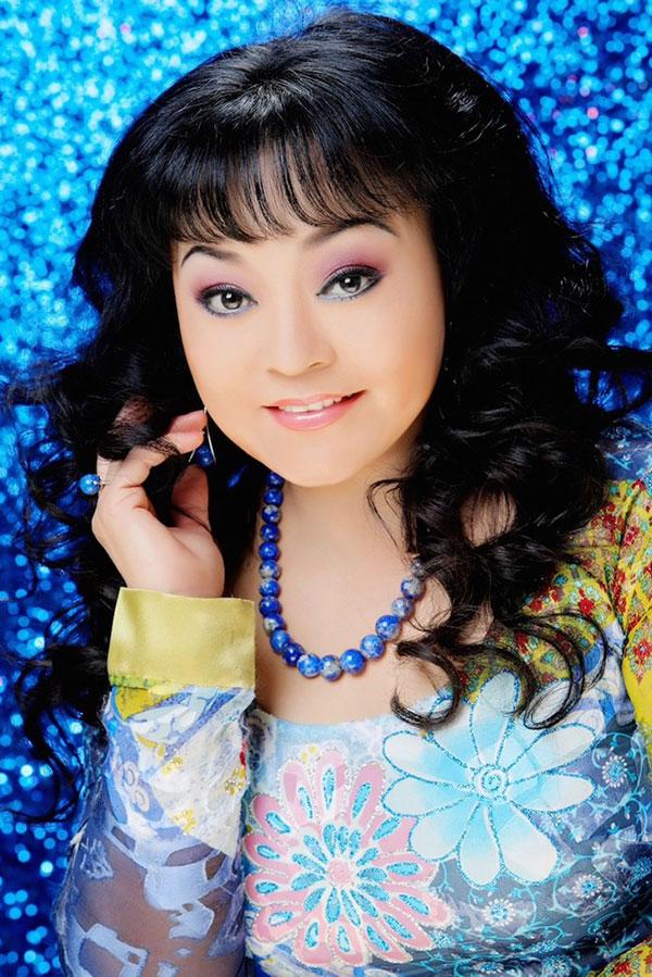 Ca sĩ Hương Lan