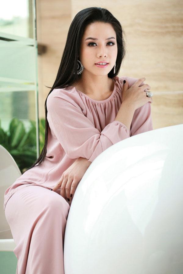 Ca sĩ Nhật Kim Anh