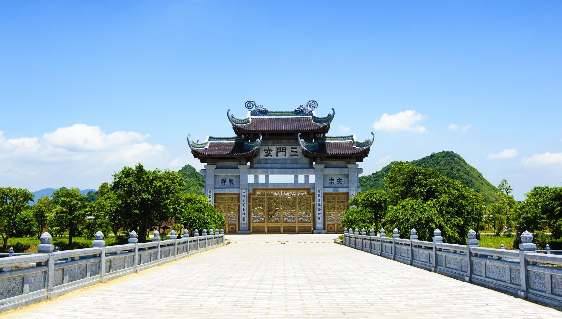 emeralda_bai-dinh-pagoda_004