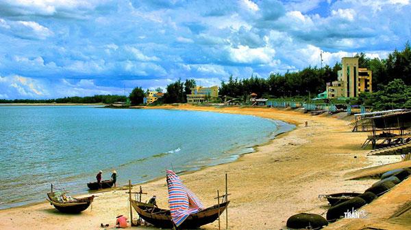 Bãi biển Cửa Tùng - Quảng Trị