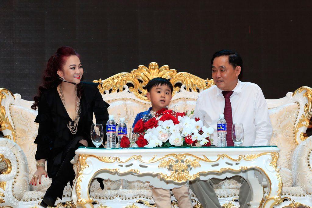nguyen phuong hang 6